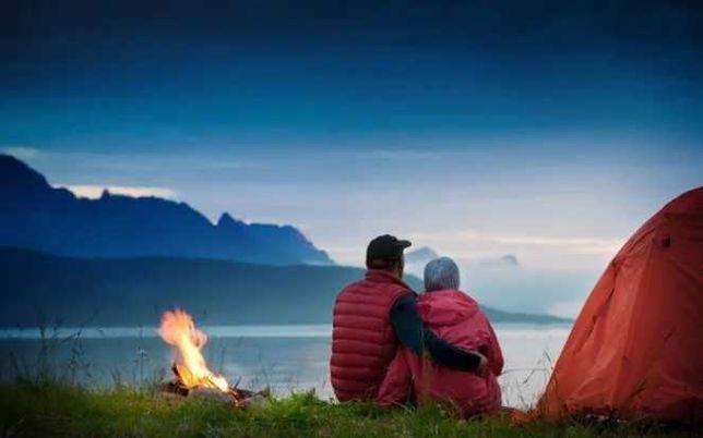 демисезонная, на подарок 8-ми местная палатка - Туристическая новая