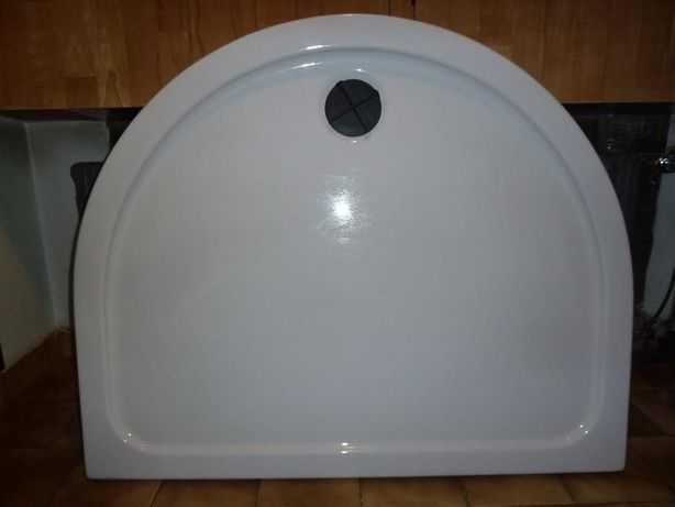 Akrylowy duży brodzik pod prysznic do kabiny 110 cm x 90 cm - półkole