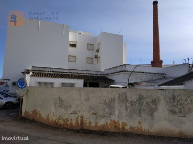 Terreno Urbano Com 602 M2 No Centro De Vila Nova De Cacel...