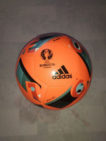 Мяч новый футбол adidas nike puma euro lotto! Мячи все на фото МНОГО!!
