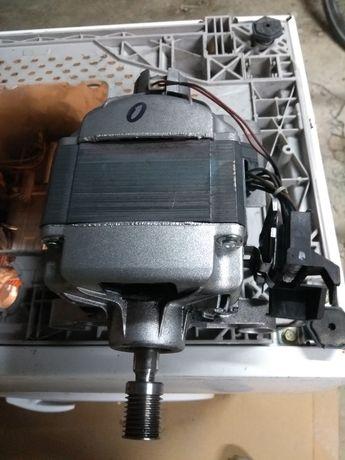 Silnik pralki Electrolux EWS 1021.