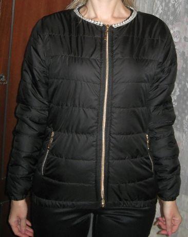 Куртка чёрная весенняя с бусинками НОВАЯ