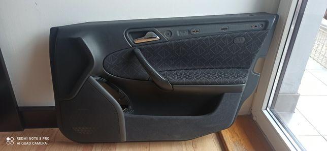 W203 Boczki wnętrze tapicerka c180