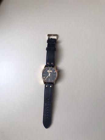 Часы черные Moschino Cheap And Chic XXL