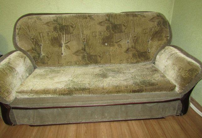 Продам диван. Требуется, частично, ремонт
