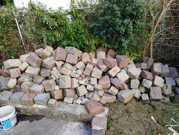 Kamień granitowy