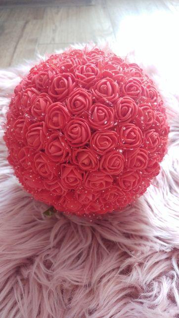 Kula z róż ozdoba zawieszka kwiaty rękodzieło róże piankowe