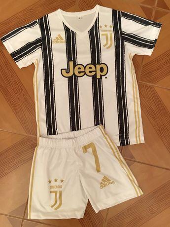 Equipamento de criança. Juventus. Ronaldo 7
