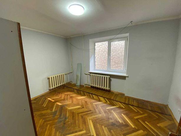 Пимоненко 3, Метро Лукьяновка. 2-к, 55м2. Под офис. Артема.
