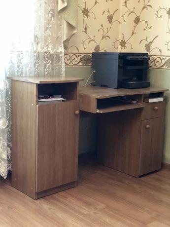 Продам комп'ютерний стіл та стілець