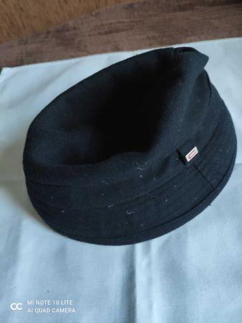 Sprzedam czapkę Cropp