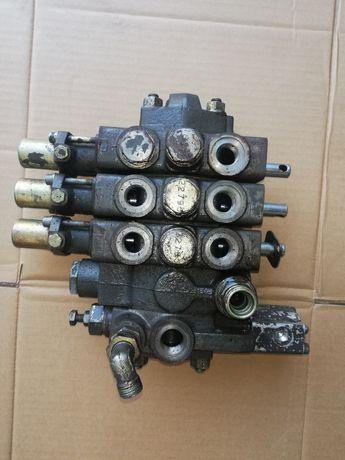 Rozdzielacz 3 sekcyjny Renault 95,14 110,14 110,54 133,14 155,54
