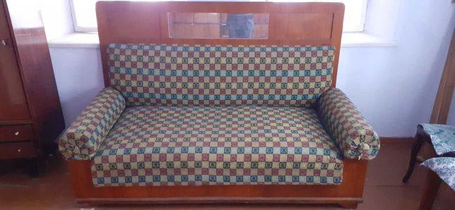 Софа (диван) 40-их років СРСР.