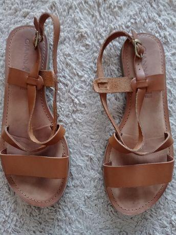 Sandálias em pele Gianna 38