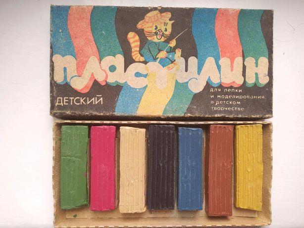 Пластилин СССР В наборе 7 цветов.
