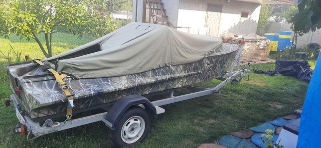 Лодка Южанка с мотором Mercury 15 + лафет