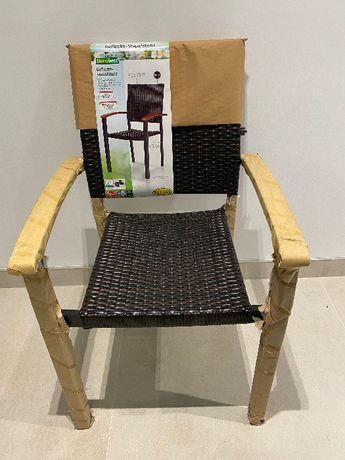 Zestaw 4 Krzesła Delikatne Defekty