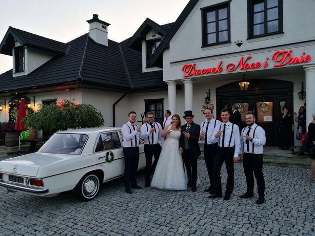 Auto do ślubu, samochód Mercedes w115 z 1971r. wynajem na śluby