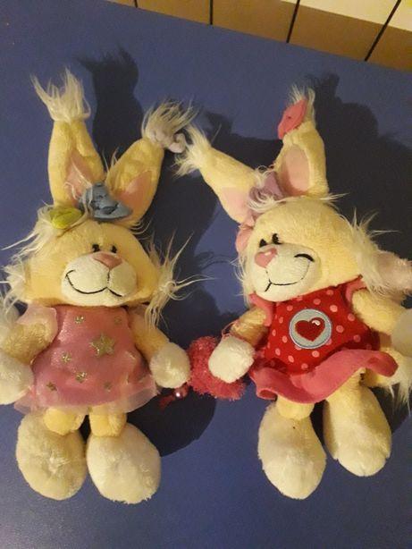 Зайці-подружки