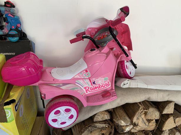 Vendo mota para crianca