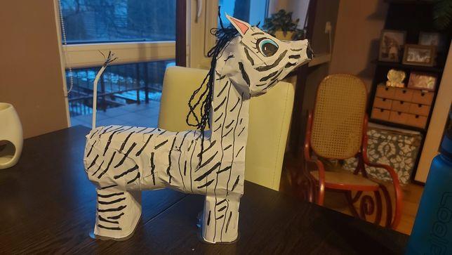 Eco Zebra z odpadów
