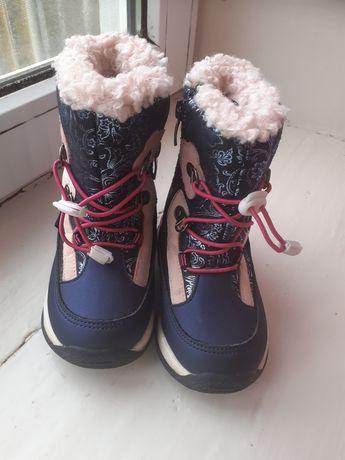 Зимние сапожки для девочки 25р