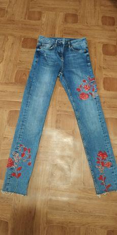 Продам фірмові джинси на дівчинку!