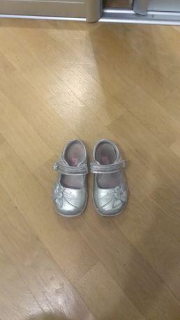 Туфлі для дівчинки 25 р