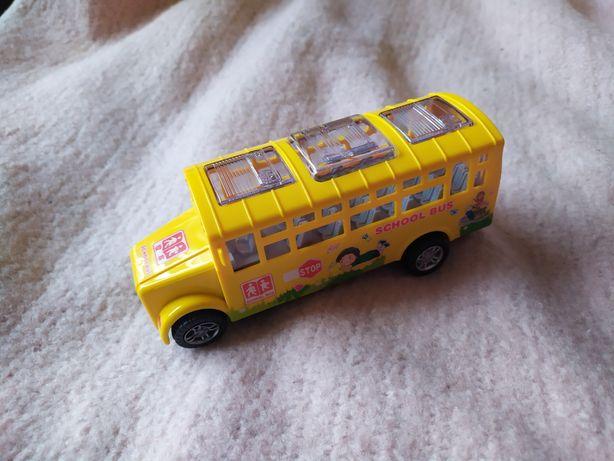 Музыкальный танцующий автобус