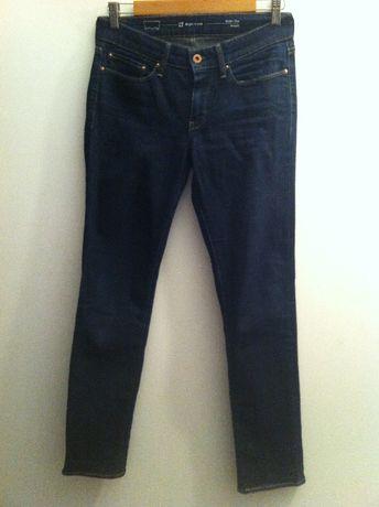 Levi's spodnie jeansy Slight Curve 27 granat