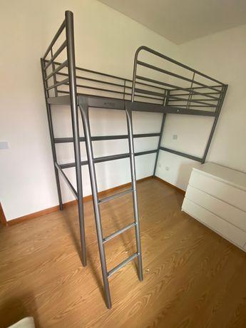 Estrutura de cama alta tipo beliche