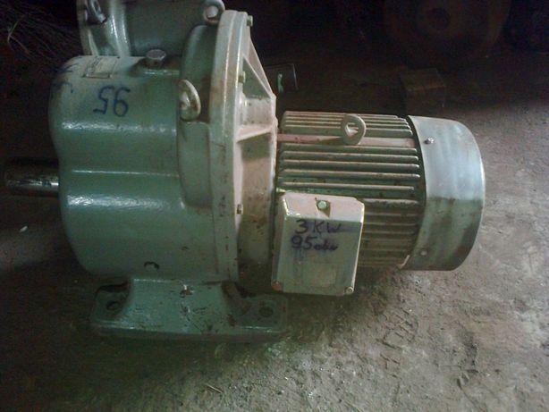 Motoreduktor 4 kW do podajnika