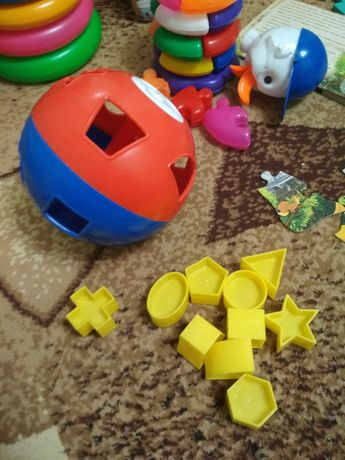 Развивающие игрушки - сортер шар