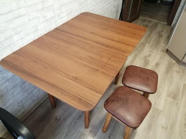 Продам стіл і 2 стула