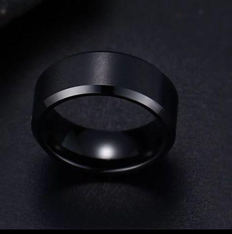 Черное мужское кольцо
