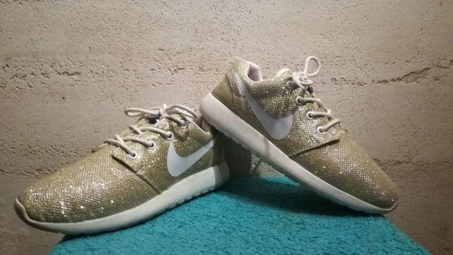 Sneakersy NIKE złoto-brokatowe stan bardzo dobry