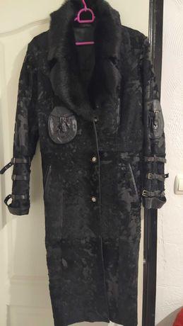 Шуба пальто дублёнка из натуральной нерпы.Срочно.