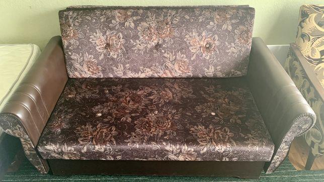 Продам РАСКЛАДНОЙ 2-х местный диван.
