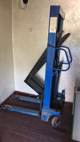 Штабелер 1500 кг