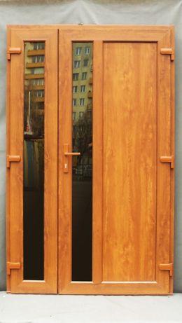 zewnętrzne PCV drzwi 130x210 złoty dąb dwie cięki szyby