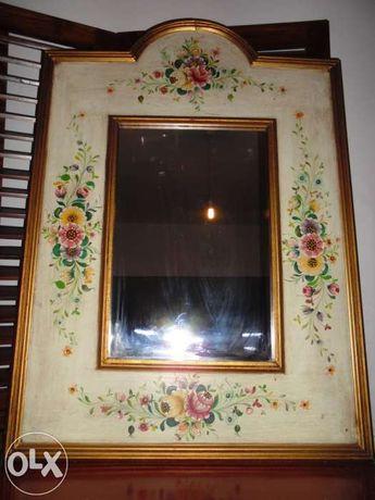 Espelho pintado à mão