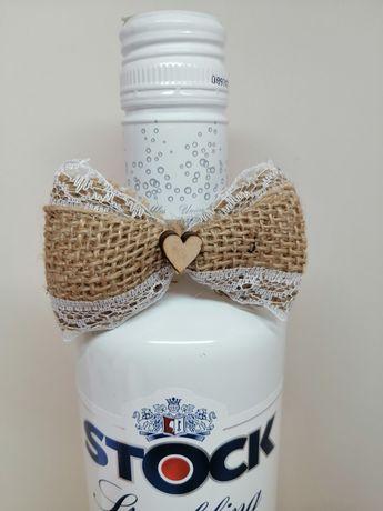 Kokardki jutowe na alkohol ślub wesele rustykalne na wódkę z sercem