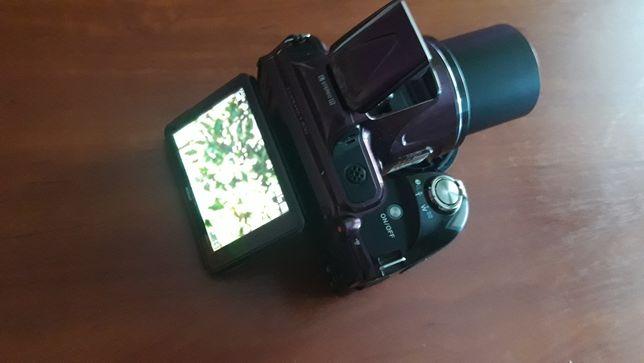 Напівпрофесійні фотоапарати