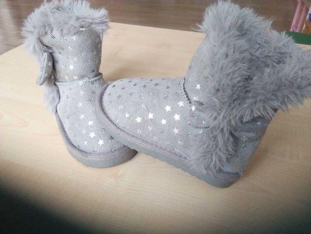 Buty zimowe ciepłe. Rozmiar 24.