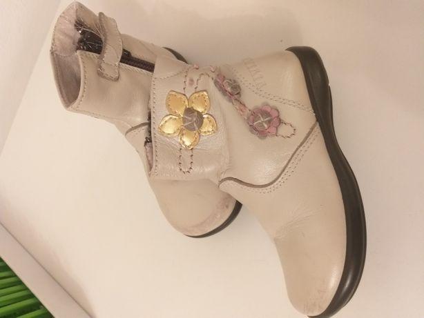 Чобітки,черевички,взуття