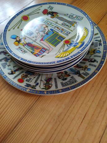Набір тарілок