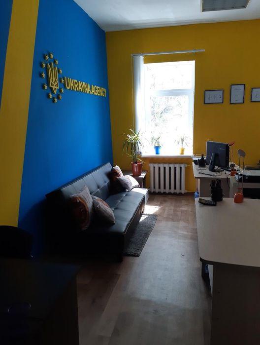 Полноценный меблированный офис 21,5 кв м в самом центре м.Олимпийская Киев - изображение 1