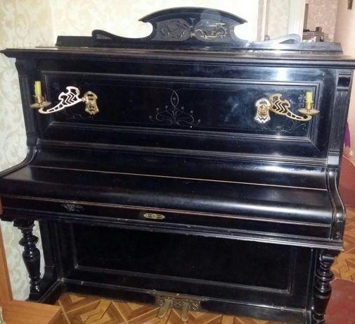 Пианино антиквариат