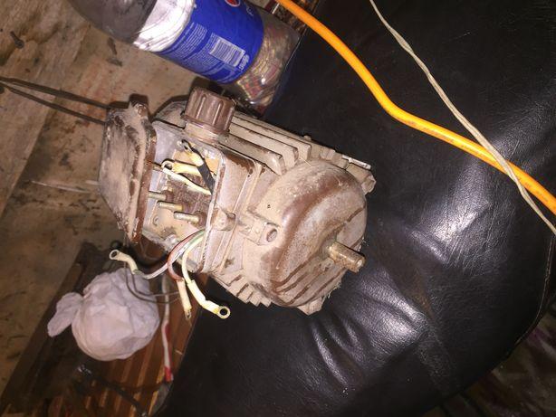 Продам електродвигатель 1370 об.