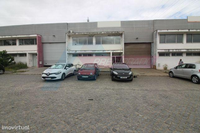 Pavilhão com escritórios em Oleiros - Vila Verde!